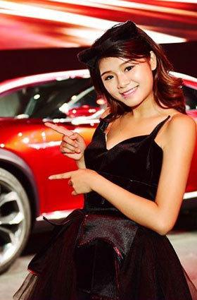 """猫女郎看车:想吃掉""""越KOERU"""""""