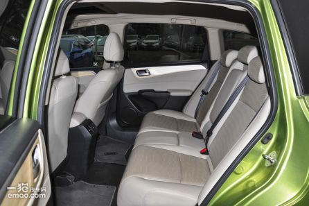 1.8L 自动舒适版 6座