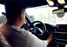 BMW5系车主高先生:决断源自热爱